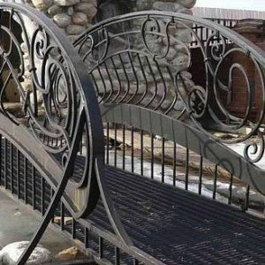 Кованые мосты Чёрный кованый мостик МО-004 Norkovka